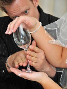 Bending wine glass